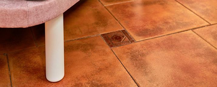 pata base tapizada madera blanca