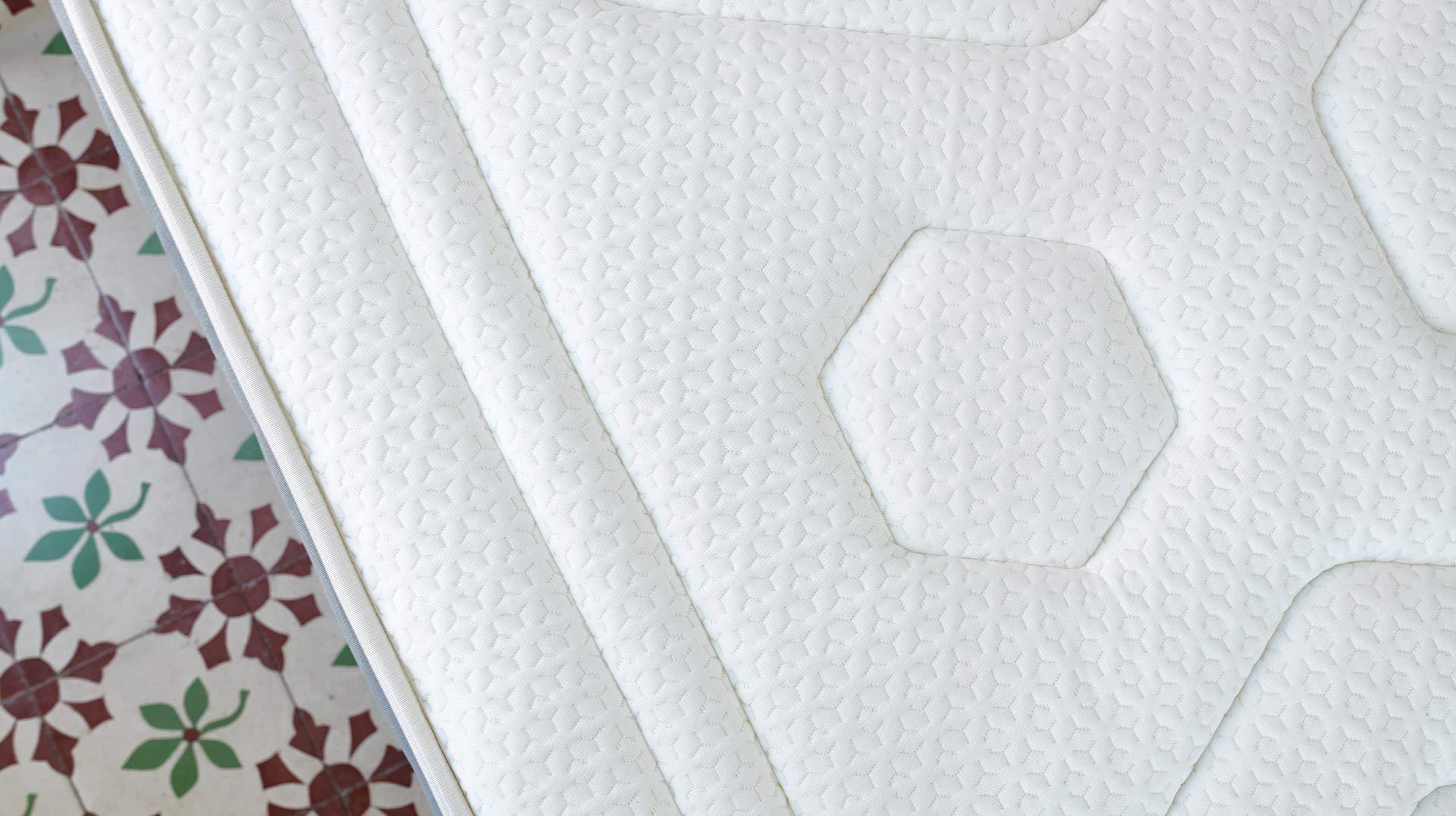 Pack Colchón Luxe Graphene + Base Tapizada Partida + Almohada