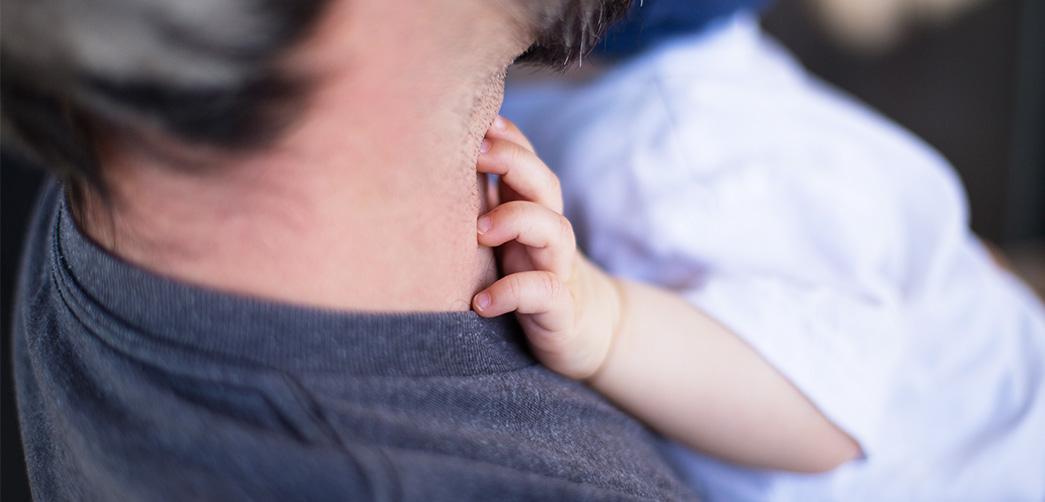 ¿Por qué los niños quieren dormir con sus padres?