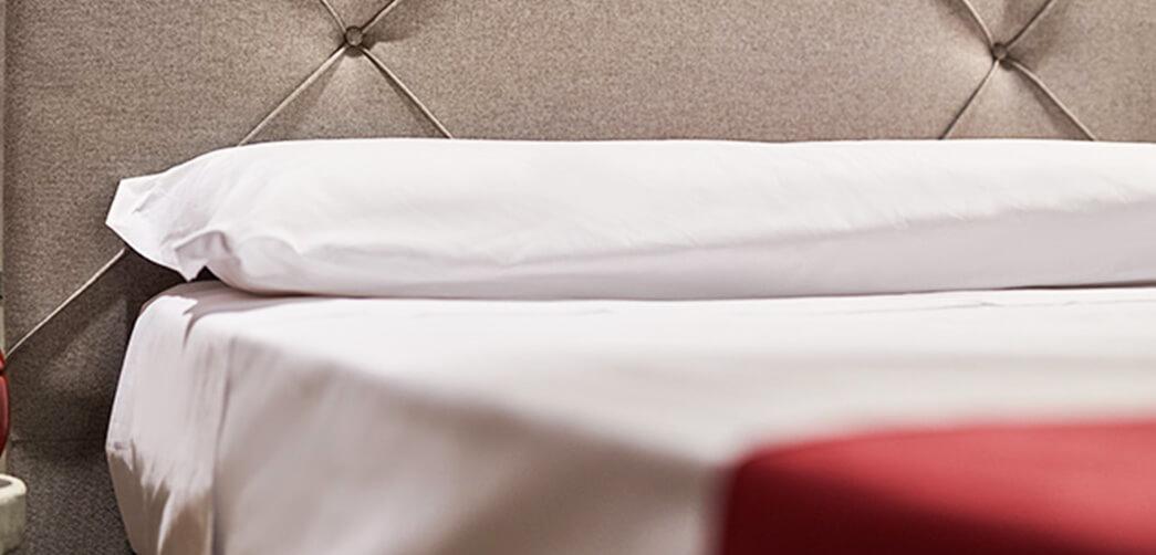 ¿Cómo influye la almohada y la calidad del colchón en el descanso?