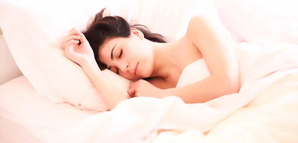Por qué rechinan los dientes al dormir