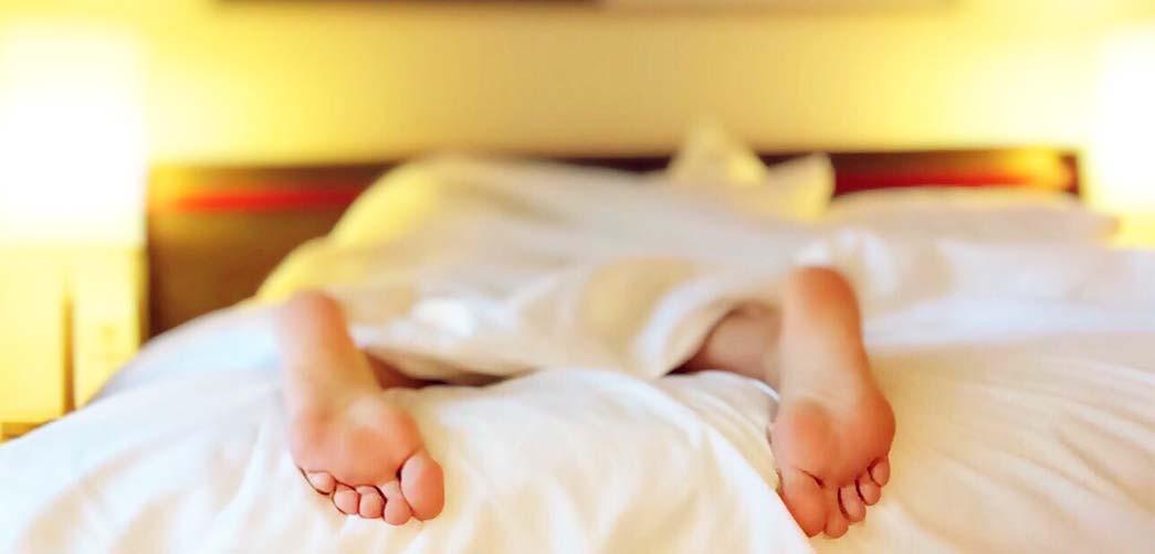 Por qué sudo al dormir